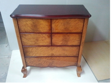 Import of handmade furniture made of walnut and calfskin